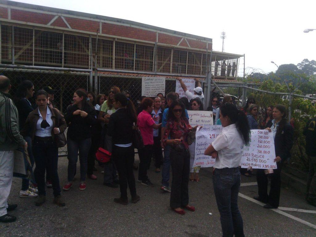 Circuito Judicial : Trabajadores del poder judicial en mérida protestaron y entregaron