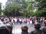 Protesta dirigentes gremiales en la gobernacion 18 de mayo